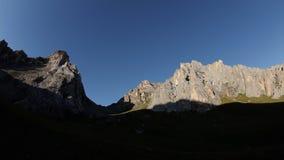 Czasu upływ świt w górach zbiory wideo