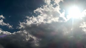 Czasu upływ chmury i słońce ruch zdjęcie wideo