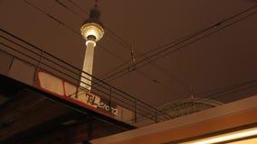 Czasu upływ noc przy Berlin zbiory wideo