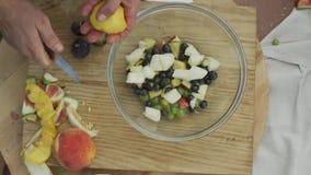 Czasu upływ robić zdrowej owocowej sałatki zbiory wideo