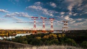 Czasu upływ, wysokonapięciowe linie energetyczne, przemysł energetyczny zdjęcie wideo