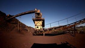 Czasu upływ zapamiętanie kopalnia przy nocą - 4K zbiory wideo