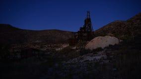 Czasu upływ zapamiętanie kopalnia złota przy zmierzchem zbiory