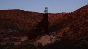 Czasu upływ zapamiętanie kopalnia złota przy zmierzchem - 4K zdjęcie wideo