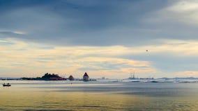 Czasu upływ zmierzchu niebo przy Loy wyspą, Sriracha, Tajlandia zdjęcie wideo