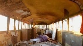 Czasu upływu Dolly zapamiętanie autobus w pustyni przy zmierzchem zbiory