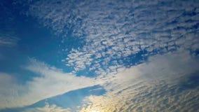 Czasu upływu zmierzch i chmury zbiory