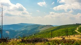 Czasu upływ - chmury nad Beskid górami zbiory wideo