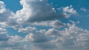 Czasu up?ywu natury t?a chmur Z?owieszczy dryf przez niebo wolno, zagra?a deszcz zdjęcie wideo