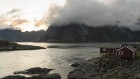 Czasu upływu wioska Reine, Lofoten wyspy zbiory