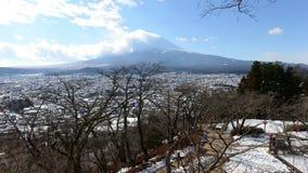 Czasu upływ góra Fuji z chodzenie chmurą zdjęcie wideo