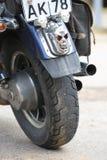 czaszki trzy Obyczajowy hamulcowy światło na tylni kole motocykl z bliska Obrazy Royalty Free