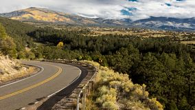 Cześć droga Taos, Nowy Krajowy Sceniczny Byway, Truchas, Ne - Mexico - obrazy stock
