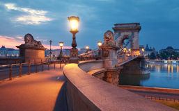 Czechenyi Chain bro i Budapest, Ungern, tidigt i morninen royaltyfri bild