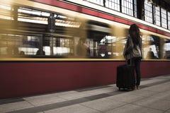 czekaj na pociąg zdjęcia royalty free