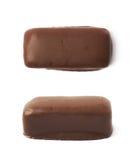 Czekolada - pokryty cukierku bar odizolowywający Zdjęcie Stock