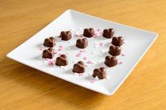 czekoladki głębokości pola w kształcie serca krótko Fotografia Royalty Free