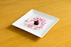 czekoladki głębokości pola w kształcie serca krótko Zdjęcie Royalty Free