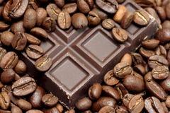 Czekoladowe i kawowe fasole obrazy stock