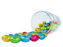 czekoladowe jaja, zgrzytają rozlewać Fotografia Stock