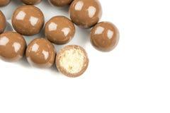 Czekoladowe piłki na białym tle Obraz Royalty Free
