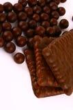czekoladowe słodycze przeciwko białym Zdjęcie Royalty Free