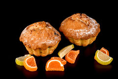 Czekoladowego ciastka tortowy i owocowy cukierek Obraz Royalty Free