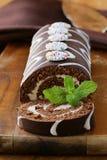 Czekoladowego torta rolka z waniliową śmietanką Zdjęcie Stock