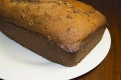 Czekoladowego układu scalonego Bananowy chleb Zdjęcie Stock