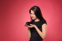 czekoladowej filiżanki gorąca herbaciana kobieta Obrazy Stock