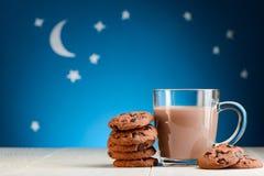 Czekoladowi ciastka i kakao obrazy stock