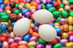Czekoladowi i kurni Easter jajka Obraz Royalty Free