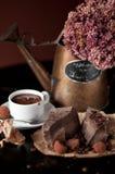 Czekoladowy bar z gorącej czekolady napojem Fotografia Stock