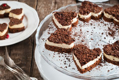 Czekoladowy Biskwitowy walentynka tort Obraz Royalty Free