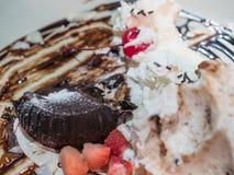Czekoladowy deser z lody Zdjęcie Stock