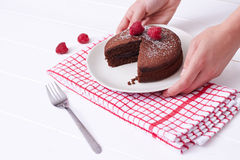 Czekoladowy gąbka tort i malinki pustynia Zdjęcie Stock