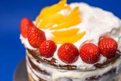 Czekoladowy nagi tort obrazy royalty free