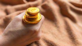 Czekoladowy pieniądze, Czekoladowe złociste monety obraz stock