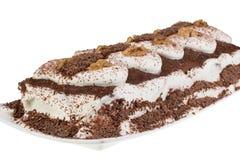 Czekoladowy tort z białym tłem Fotografia Royalty Free