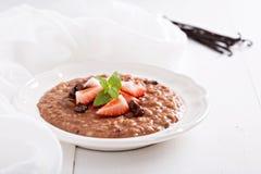 Czekoladowy truskawkowy risotto z wanilią Zdjęcia Royalty Free