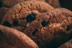 Czekoladowych układów scalonych ciastka, zamykają up obrazy stock