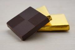 Czekolady w złoto pokrywie Zdjęcie Royalty Free