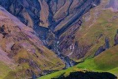 Czerń ślada rzeka na wzgórzu góra Zdjęcia Stock
