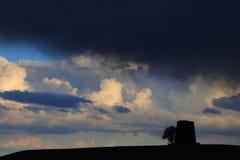 Czerń i burzowe chmury Obraz Royalty Free