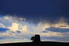 Czerń i burzowe chmury Fotografia Stock