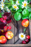 Czereśniowa lemoniada, owoc i jagody, obraz royalty free