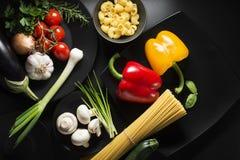 czereśniowi tło składniki odizolowywali makaronu spaghetti pomidorowego biel Zdjęcie Royalty Free