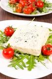 Czereśniowy pomidor i błękitny ser zdjęcie stock