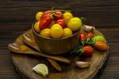 Czereśniowych pomidorów wciąż życie Fotografia Stock