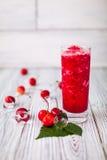 Czereśniowy sok czerwieni lód Zdjęcia Stock
